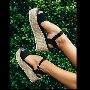 Black Scalloped Espadrille wedge sandals
